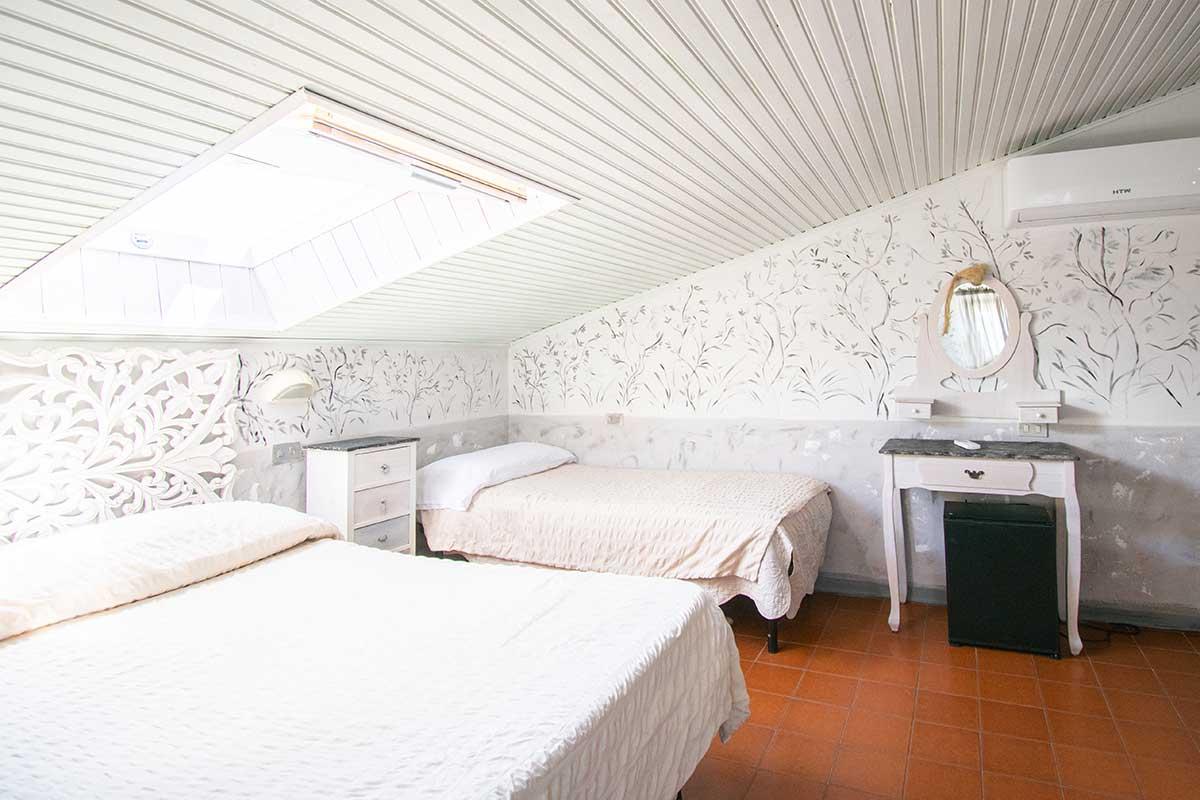 Camera Tripla Luciana Hotel & Bistrot Marina di Massa